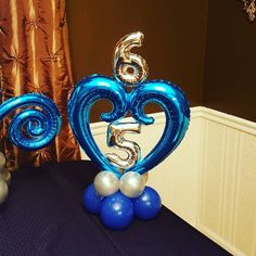 写真の説明はありません。 Balloon Decorations Without Helium, Number Balloons, Letter Balloons, Balloon Design For Birthday, Happy Birthday Balloons, Birthday Design, Sweet 16 Centerpieces, Balloon Centerpieces, 65th Birthday Party Ideas