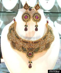 Gorgeous necklace set with matching pair of earrings