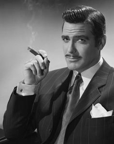 This is Clark gable not george Clooney ! George Clooney - Academy Award for Best Supporting Actor in 2005 for Syriana. Clark Gable, Classic Hollywood, Old Hollywood, Pictures Of George Clooney, Zigarren Lounges, Loretta Young, Actrices Sexy, Photo Portrait, Good Cigars
