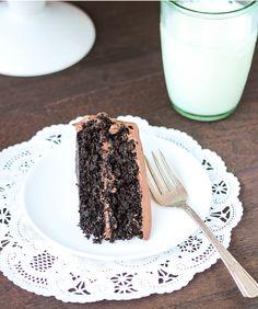 Best-Ever Chocolate Quinoa Cake - Making Thyme for Health vegan chocolate cake 9 x 13 - Vegan Cake Quinoa Chocolate Cake, Quinoa Cake, Decadent Chocolate Cake, Vegan Chocolate, Melting Chocolate, Chocolate Ganache, Gluten Free Cakes, Gluten Free Desserts, Coconut Cream Frosting