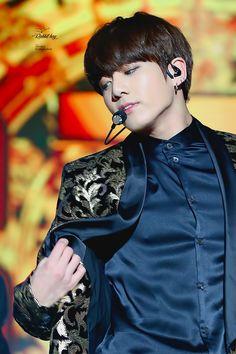 I know Jungkook looks damn fine but Damn. That suit looks FINE. Like. Damn. I am jealous of how fine those silks look.