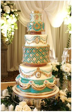 Bobette & Belle: Cameo Cake. All I can say is...WOW!