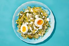 Orzo with beets, olives, feta soft boiled egg / Photo by Danny Kim, food and prop styling by Ali Nardi Beet Recipes, Vegetarian Recipes, Cooking Recipes, Healthy Recipes, Quick Recipes, Cheese Recipes, Best Pasta Salad, Pasta Salad Recipes, Al Dente