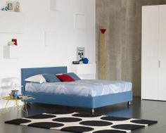 """Bed with simple and essential lines // Letto dalle linee semplici ed essenziali (Letto matrimoniale / Double Bed """"Notturno 2"""" by Flou) #Beds #Bedroom #Letto #InteriorDesign #HomeDecor #Design #Arredamento #Furnishings #colors #colourful #colorful #blue"""