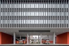 Completed in 2016 in Chengdu Shi, China. Building Layout Tianfu new district is a new urban areaAs the first fire station in Tianfu new district, it integrates office, fire control, rescue,...
