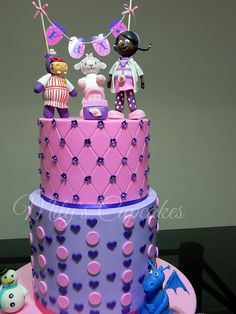 Doc McStuffins / Dra Juguetes | Flickr: Intercambio de fotos Doc Mcstuffins Cake, Cupcake Cakes, Cake Decorating, Birthday Ideas, Party, Desserts, Kids, Food, Decorating Cakes