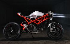 Welcome to Cafe Racer Design! We focus solely on showcasing the design of Cafe Racer Motorcycles. Cafe Racer is a term used for a type of motorcycle and the cyclists who ride them! Ducati 848, Moto Ducati, Ducati 1000, Inazuma Cafe Racer, Ducati Cafe Racer, Cafe Racer Motorcycle, Cafe Racers, Girl Motorcycle, Motorcycle Quotes