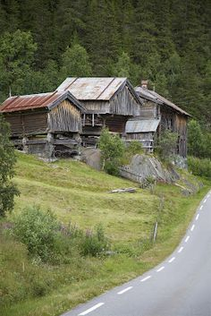 Norway Sweden Finland, Lapland Finland, Beautiful Norway, Beautiful Beautiful, Land Of Midnight Sun, Norway In A Nutshell, Old Cabins, Natural Homes, Norway Travel