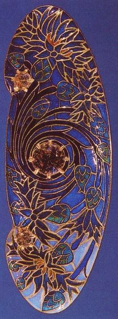 Lalique 1904-06 Brooch with Cornflowers: partially enameled gold/ diamonds. Rijksmuseum, Amsterdam/ maestrocarlos gomes.blogspot.com