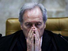 """Fora do Supremo, Lewandowski abre o verbo, critica Temer e diz que impeachment foi """"erro grave""""http://clickpolitica.com.br/brasil/fora-do-supremo-lewandowski-abre-o-verbo-critica-temer-e-diz-que-impeachment-foi-erro-grave/#comment-9361"""