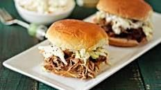 The Best Pulled Pork Slow Cooker Recipes For a Special Family Dinner