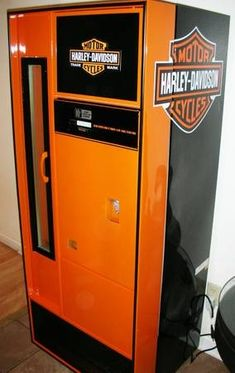 Harley-Davidson Man Cave | Ultimate Harley Theme Man Cave Beer Cooler.. - Harley Davidson Forums......need this for the hubby's