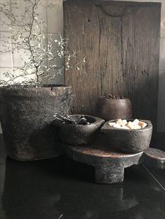 Koffiekoekje Wabi Sabi, Primitive Kitchen, Japanese Aesthetic, Interior Decorating, Interior Design, Retail Design, Home Decor Accessories, Vintage Decor, Decoration