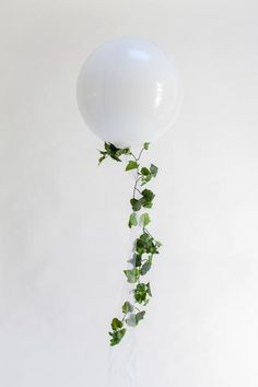 Ivy Garland Wedding balloons with ivy Dinner Party Decorations, Bridal Shower Decorations, Wedding Centerpieces, Wedding Decorations, Garland Wedding, White Balloons, Confetti Balloons, Helium Balloons, Wedding Balloons