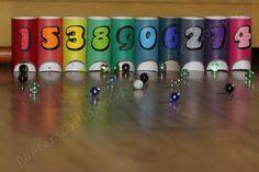 Je vous propose un nouveau jeu à fabriquer à partir de rouleaux de papier toilette. C'est le jeu des ponts à points. Les enfants devront faire rouler les billes par terre et les faire entrer dans les ponts pour marquer le plus de points possible. Que...