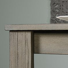 Pine veneer top. Solid wood legs. White Pine finish.