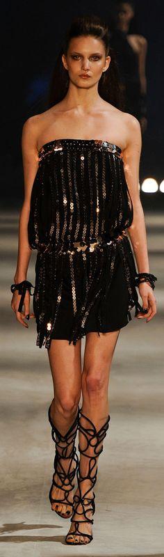 ✪ Iodice ✪ (São Paulo Fashion Week) Brazil Fashion Week 2012 ✪ http://elle.abril.com.br/desfiles/spfw/spfw-inverno-2012/iodice-inverno-2012-spfw?aba=Desfile#image=4f3d8629b6a443509d000027