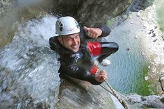 50 Meter Abseilen am Gardasee bei einer Freelife Tour Hats, Abseiling, Lake Garda, Tours, Hat, Hipster Hat