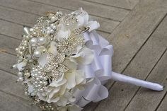 Classic pearl and rhinestones brooch bridal bouquet