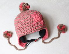 Skihelm-Mütze (und normale Bommelmütze)