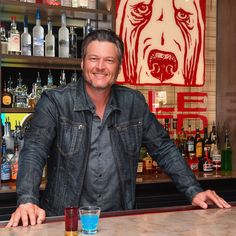 """""""I would just like to ride this wave till I die,"""" Blake Shelton tells PEOPLE of how happy he is with life and with Gwen Stefani Blake Shelton Gwen Stefani, Blake Shelton And Gwen, Gwen Stefani And Blake, Country Musicians, Country Music Singers, Country Artists, Play That Funky Music, Music Love, Blake Sheldon"""