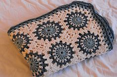 Ravelry: Circles in Octagons Throw pattern by Anne Halliday..free crochet pattern! ༺✿Teresa Restegui http://www.pinterest.com/teretegui/✿༻