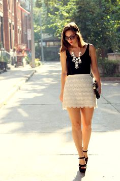 Not into the huge necklace maybe just a little smaller Lace Skirt Outfits, Crochet Skirt Outfit, Lace Outfit, Cream Lace Skirt, White Lace Skirt, Preppy Style, My Style, Style Blog, Petite Fashion