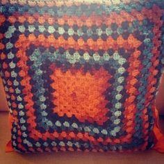 SATILDI! #crochet #tığişi #grannysquare #diy #doityourself #kendinyap #handmade #elyapımı #elisi #elişi #ucuz #hediye #dekoratifyastık #decorative #instacrochet #crochetersofinstagram #homedecor #evdekor #evdekorasyonu #homedecoration #tığ #yastikkilifi #crochetpillowcase #crochetpillowcover #örgüyastıkkılıfı #crochetlover #crochetaddict #yarn #color #häkeln by yastikdoluev