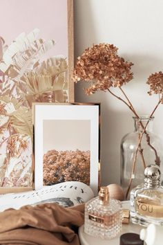 Home Interior Green Aesthetic Room Decor, Beige Aesthetic, Aesthetic Pastel Wallpaper, Aesthetic Wallpapers, Beige Wallpaper, Vanity Decor, Photo Wall Collage, My New Room, New Wall