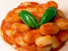 Gnocchi Prep: 40 minutes Total: 50 minutes Yield: Serves 6 1 container part-skim ricotta cheese cup sweet potato. Sweet Potato Gnocchi, Paleo Sweet Potato, Gnocchi Recipes, Pasta Recipes, Recipes Dinner, Soup Recipes, Burritos, Pasta Dishes, Food Dishes