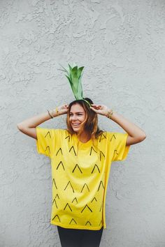 Keep Halloween simple with these six DIY Halloween costumes. Unpopular opinion: I don't love Halloween. I have even done some awesome DIY costumes (blue bird, pumpkin, and Price is Right contestant), but Halloween just isn't for me. Tween Costumes, Easy Diy Costumes, Homemade Costumes, Easy Costumes Women, Creative Costumes, Family Costumes, Group Costumes, Pineapple Costume Diy, Pineapple Halloween