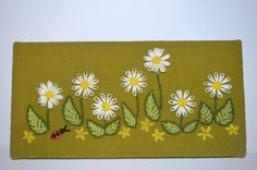 20 off SALE SWEETLIFE Vintage Green Daisy Wall Hanging by AmoreDolce, $12.00