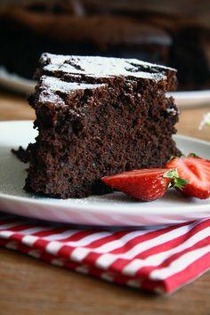 Bolo de chocolate ________ (preencha a lacuna com seu palavrão favorito) | cozinha pequena