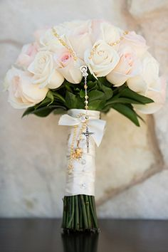 pale pink wedding bouquet. photo by amybennettphoto.com ... For a Bouquet Guide & Wedding ideas for brides, grooms, parents & planners ... https://itunes.apple.com/us/app/the-gold-wedding-planner/id498112599?ls=1=8 ♥  http://pinterest.com/groomsandbrides/boards/ ♥
