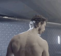 jonathan+tucker+shirtless.gif (363×339)