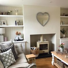 + 43 Introducing Living Room Wall Decor 20 - New Ideas Cottage Living Rooms, New Living Room, Cosy Living Room Decor, Alcove Ideas Living Room, Room Ideas, Shabby Chic Living Room, Decor Ideas, Small Living, Living Area