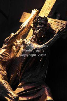 5 Simon of Cyrene helps Jesus to carry His cross (Sean Rice)
