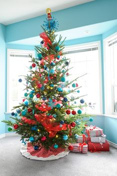 Turquoise and Red Christmas decorations.  I think this is the color scheme for our big tree in 2014!  It's nice to have a plan.