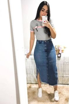 26 Demin Jeans Skirt Outfits the Chic Way A denim skirt is not only super versatile but also a classic and must-have piece that will help you pull off endless types of outfits.Try these stylish denim skirt outfit Skirt Outfits Modest, Denim Skirt Outfits, Denim Outfit, Denim Skirts, Modest Wear, Denim Pencil Skirt, Casual Summer Outfits, Casual Skirts, Chic Outfits