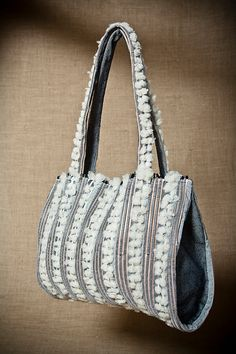 This handbag was designed in 2011, for the travelling exhibition/contest The handbag, a necessary accessory held in Florence, Turin and Antwerp.