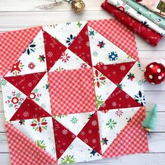 Vintage Sampler Quilt Block made by Julie Cefalu. Designed by Barbara Eikmeier Vintage Sampler Quilt Block made by Julie Cefalu. Designed by Barbara Eikmeier The Crafty Quilter - Quilting tips and inspiration I'm sharing lots of quilt blocks with you toda Christmas Sewing, Christmas Books, Vintage Christmas, Christmas Time, Christmas Quilting Projects, Christmas Quilt Patterns, Sewing Hacks, Sewing Tips, Sewing Tutorials