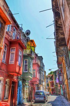 Balat, Istanbul, Turkey . Calles estrechas                                                                                                                                                                                 Más