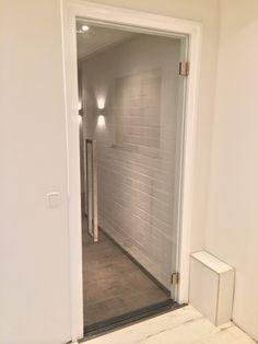 Binnendeur-Mooi@home.jpg  Glazen binnendeur in een kapsalon / schoonheidssalon in Blitterswijck.