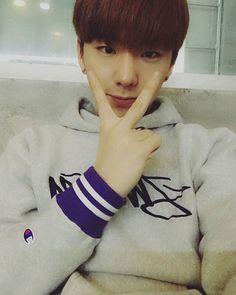 ☓ [160115] Talk Tok Update © Fancafe   #monstax #몬스타엑스  #yookihyun #유기현 #기현 #Kihyun ♡ Baby hands