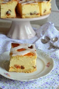 Sernik krakowski (Sernik z kratką) Polish Cake Recipe, Polish Recipes, Polish Food, Good Food, Yummy Food, Always Hungry, Food Cakes, Vanilla Cake, Tea Time
