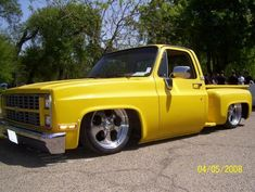 dropped step side pics - The 1947 - Present Chevrolet & GMC Truck Message Board Network 87 Chevy Truck, Classic Chevy Trucks, Chevy Stepside, Chevy Pickups, Dropped Trucks, C10 Trucks, Chevrolet Blazer, Vintage Trucks, Dream Cars