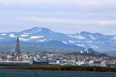 Einmal Spitzbergen und zurück | Silhouette von Reykjavik (c) Frank Koebsch (1)