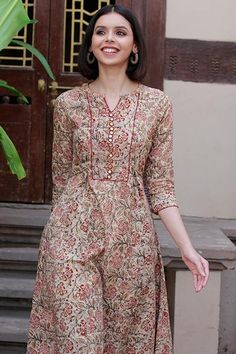 New Kurti Designs, Printed Kurti Designs, Simple Kurti Designs, Salwar Neck Designs, Kurta Neck Design, Kurta Designs Women, Dress Neck Designs, Kurti Designs Party Wear, Designs For Dresses