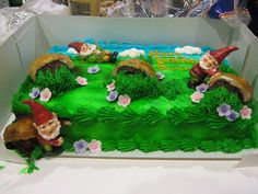 Gnome Birthday Cake...I'd be in heaven!