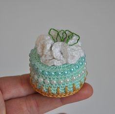 Margarita Pie Bites pattern by Grietje karwietje Crochet Cake, Crochet Food, Crochet For Kids, Diy Crochet, Crochet Crafts, Crochet Toys Patterns, Stuffed Toys Patterns, Margarita Pie, Catania